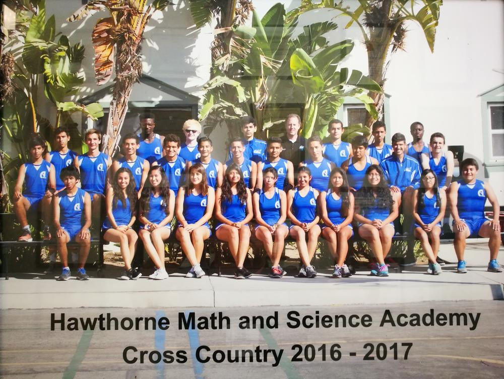 2016-17 Cross Country team