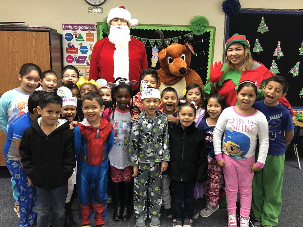 Picture of students with Santa