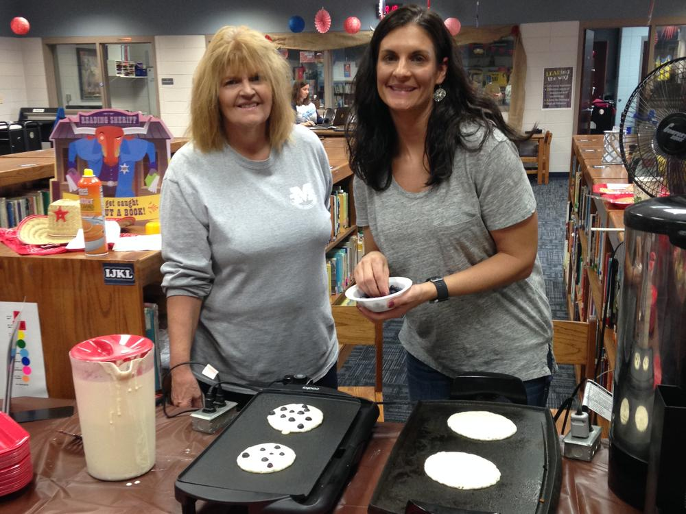 Faculty enjoyed a down-home flapjack breakfast!