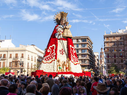 La ofrenda completed, each year the virgin s gown has a different pattern of  white, black, red and or pink