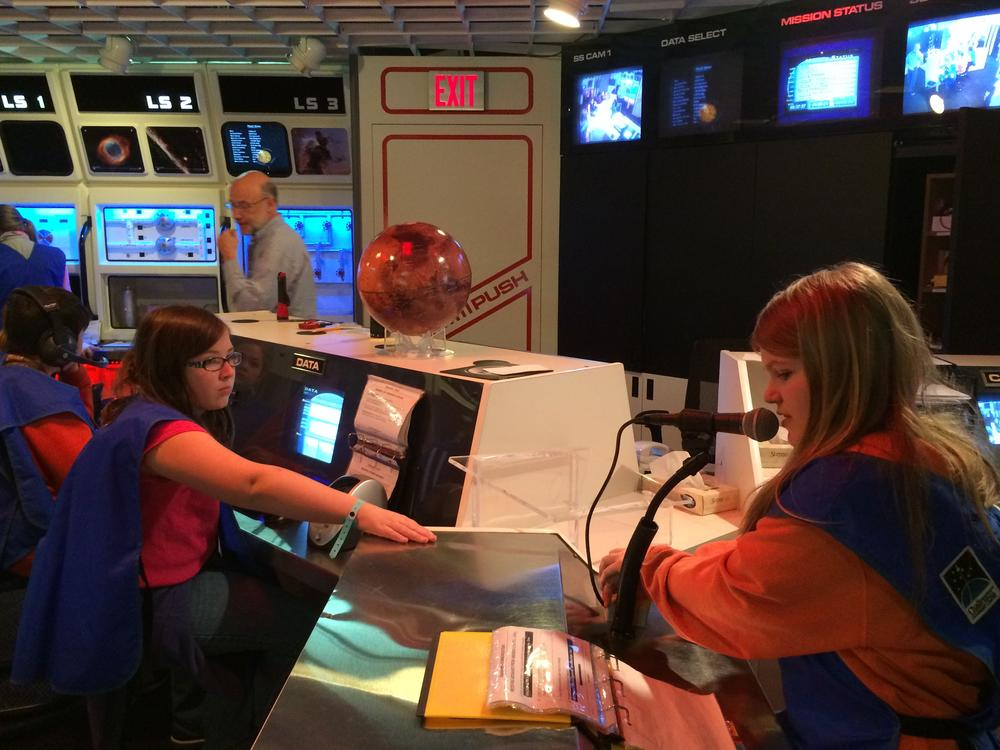 Gifted Education  Fifth Grade NASA Flight Simulation Exercises at Columbus   Space Center