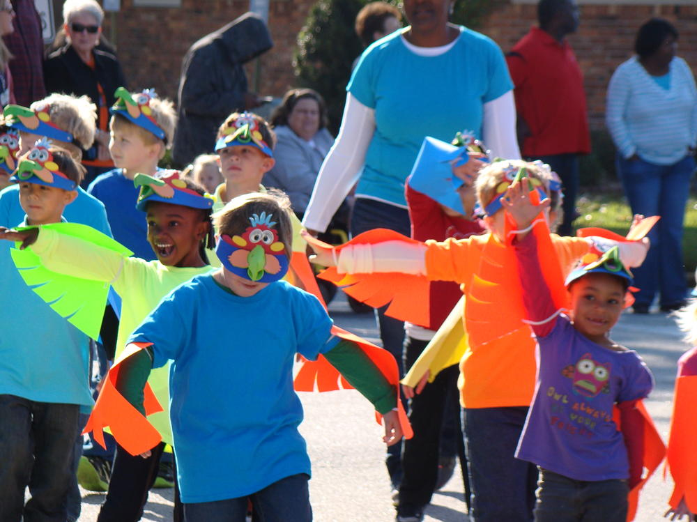 Brooklet Elementary Pumpkin Parade for Literacy