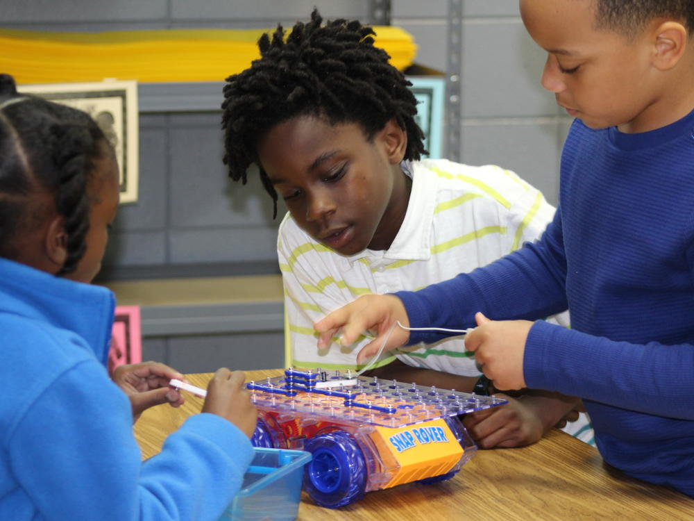 Students in the Mill Creek Elementary STEM Lab