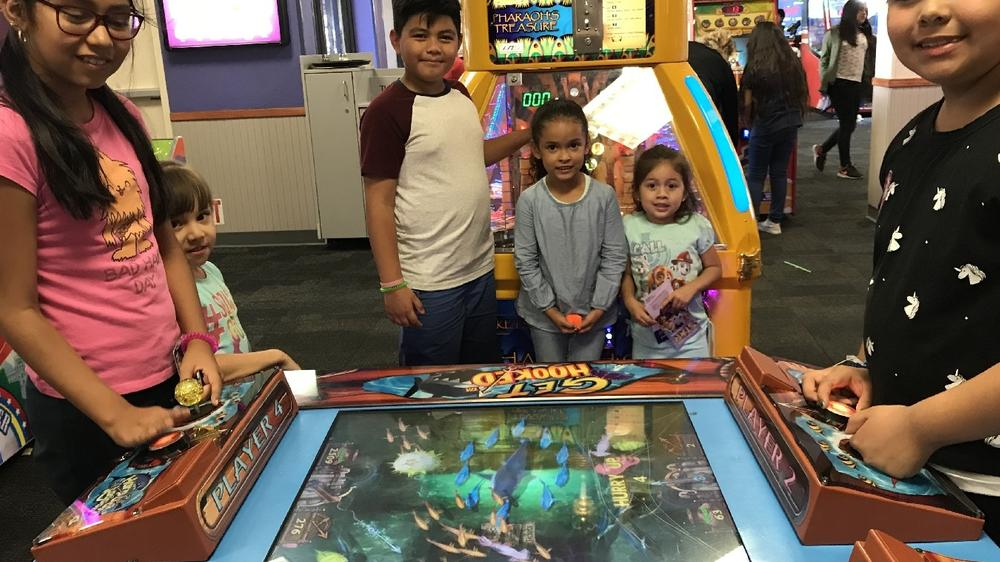 On Friday, October 12, 2018, Beachy Ave. Elementary held a fundraiser at Chuck  E. Cheese in Sun Valley. Many families had a great time.