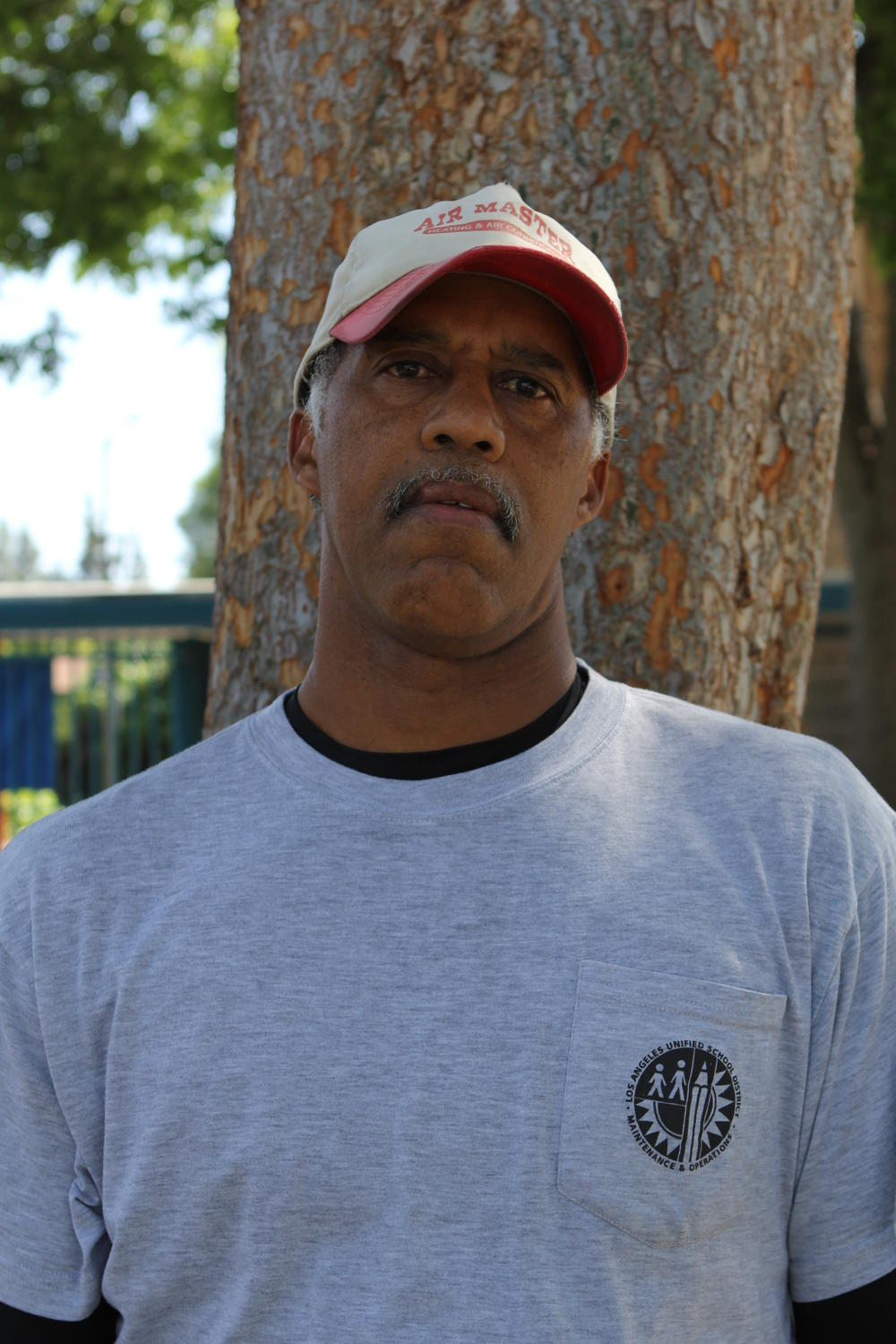 Picture of buildings and grounds worker Ken Washington