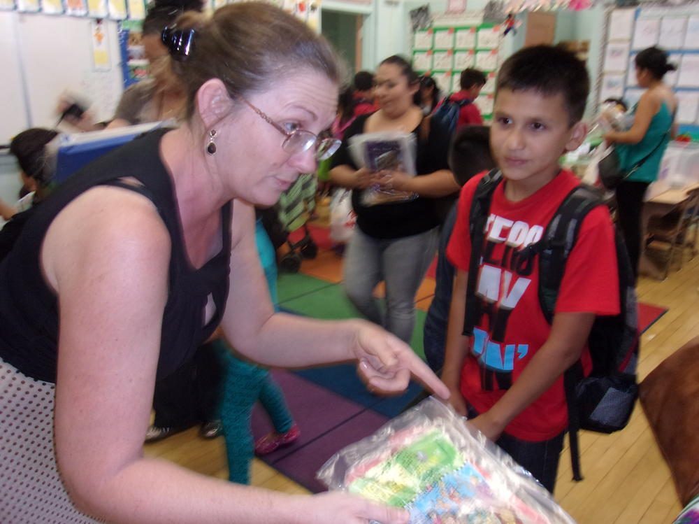 Ms. Alpi shows the Leap Frog materials
