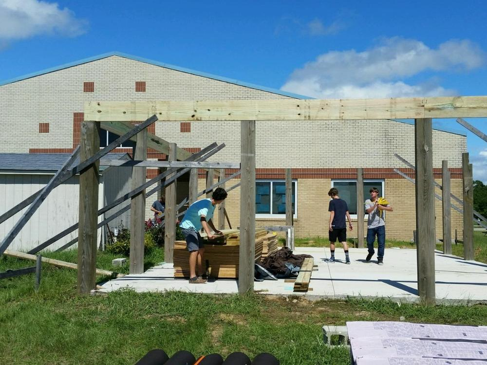 chs carpentry II students outdoor classroom for BSES 9