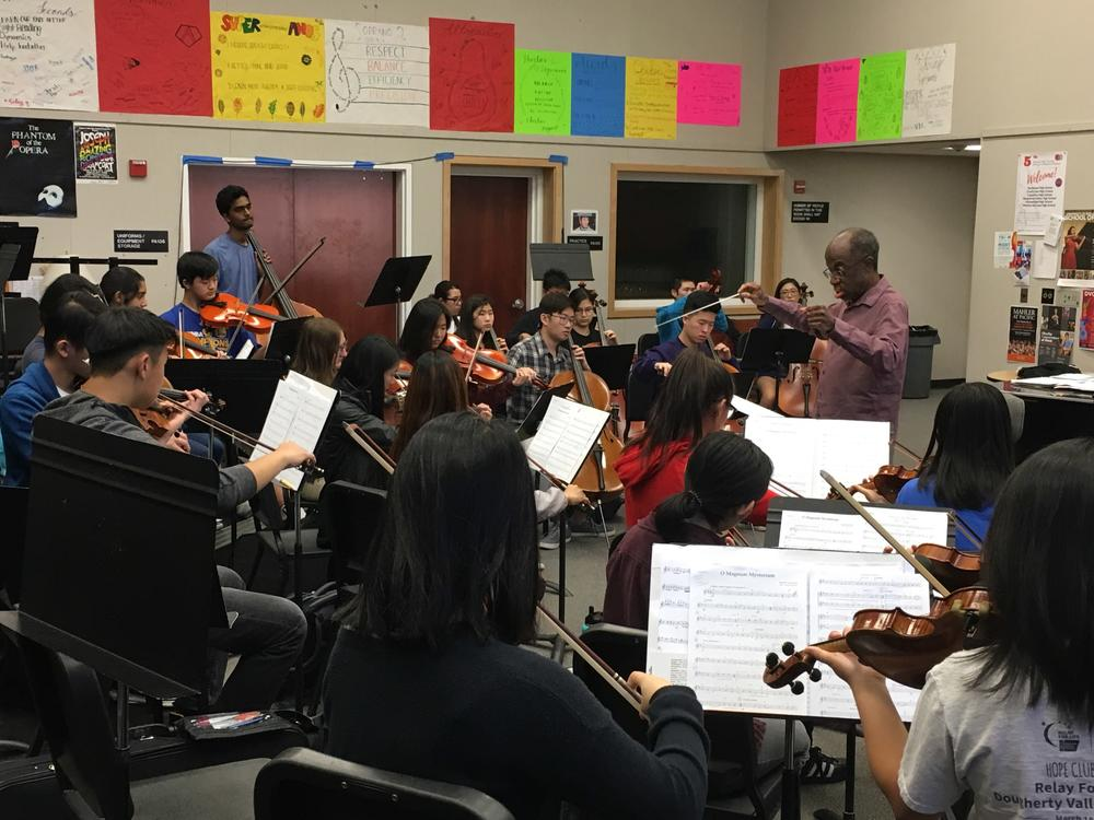Orchestra working with Michael Morgan