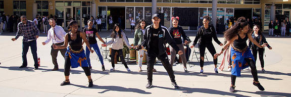 Akoma Arts Performs with students at EVHS for Black History Month