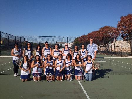 Girls_Tennis_Team_Photo.jpg