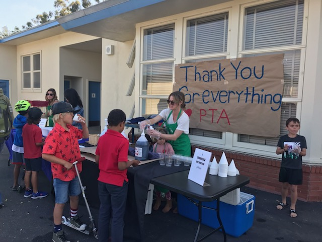 28aa2aa3900 Thank you to all who came out to join in our PTA End-of-the-Year Picnic.  What could be better than an evening together picnicking, slurping on snow  cones, ...