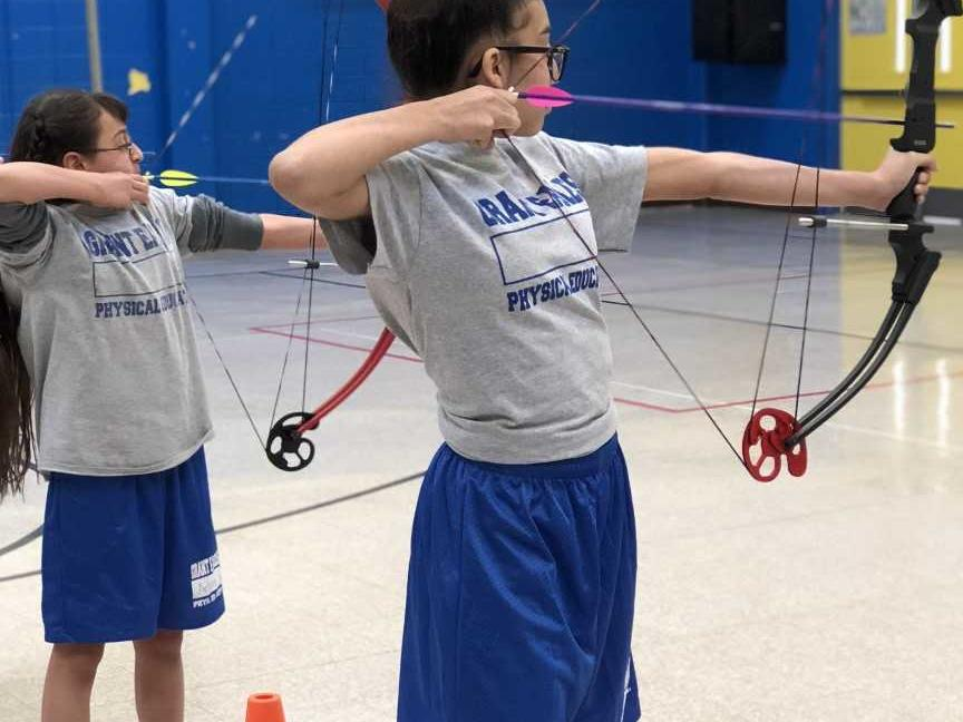 Pulling for each other - Archery
