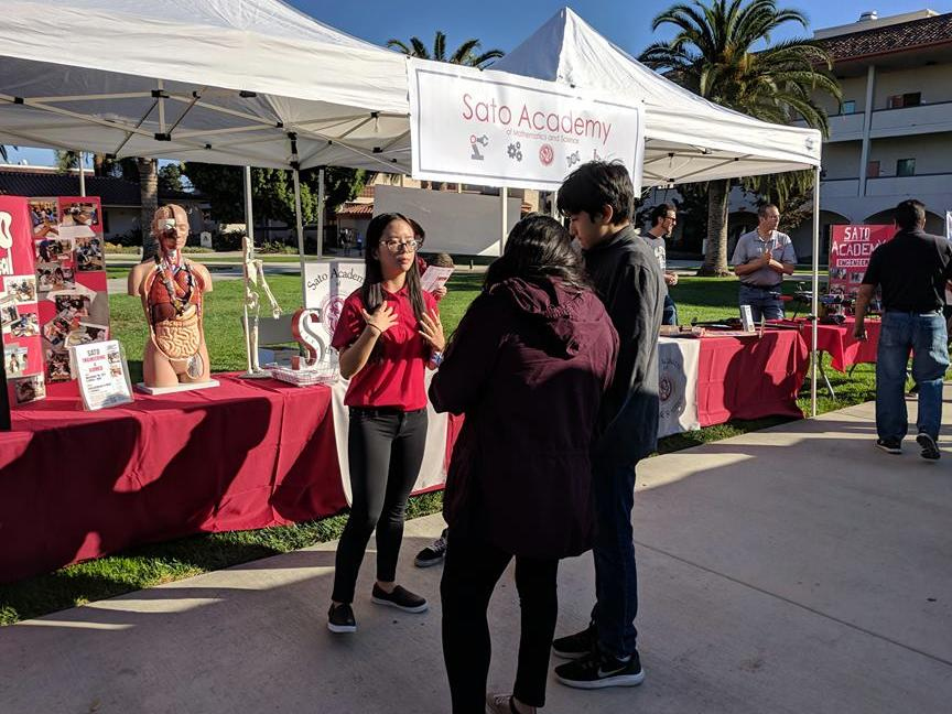 Students and faculty recruiting at LBCC
