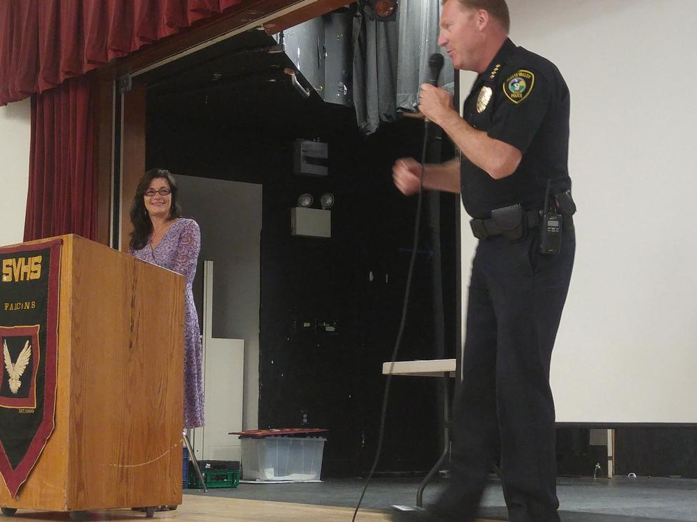 SV Police Chief Weiss entertaining the crowd!