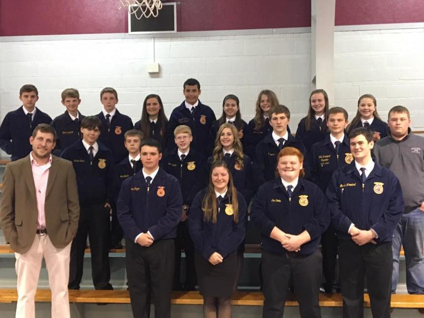 FFA Members pose for a picture before the 2017 FFA Banquet.