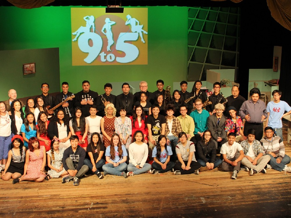 Cast/ crew and band