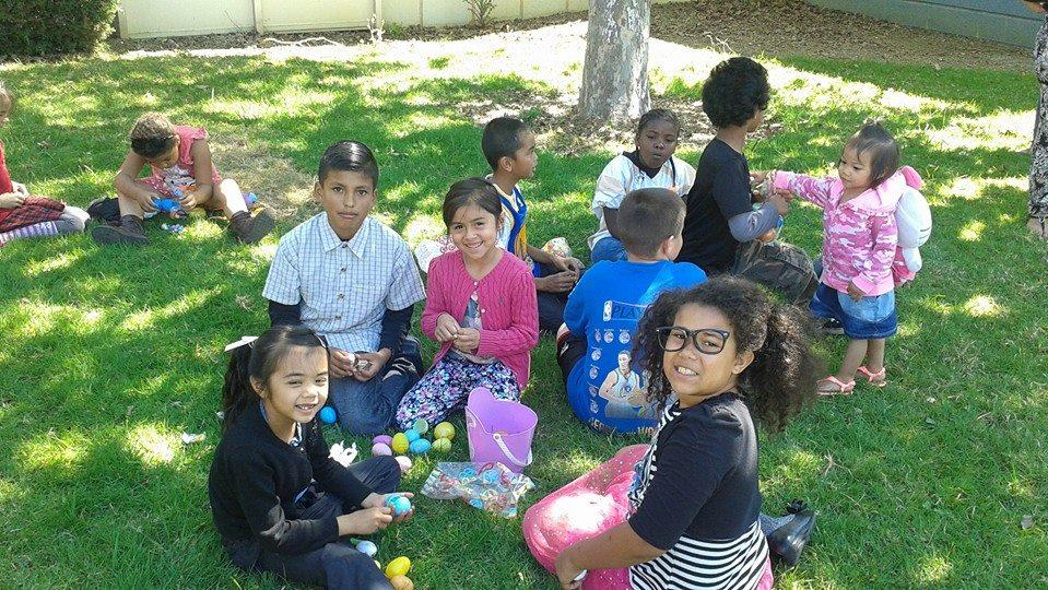 1st and 4th grades easter egg hunt