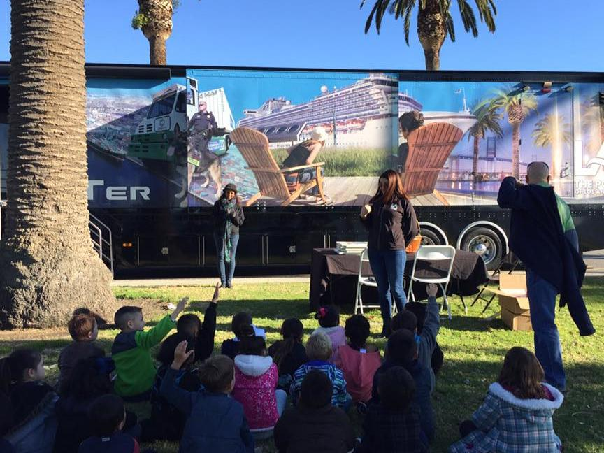 p TransPORTer brings the story of the Port of Los Angeles to White Point  students - January 2017 p