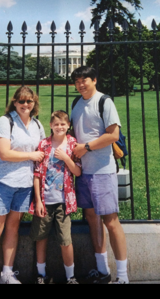 I told the kids I would post a picture of my family in front of The White House  from 1998.