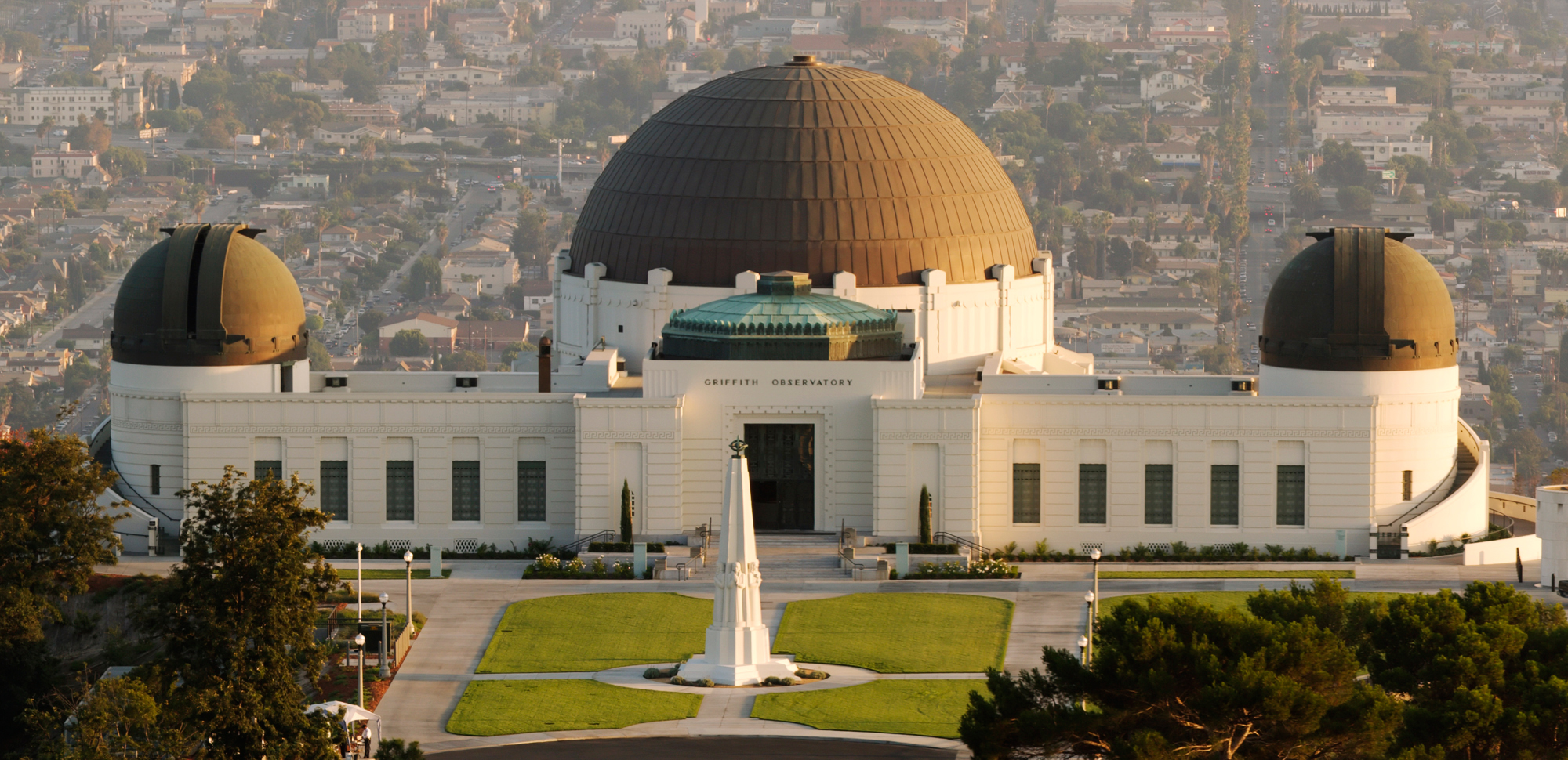 Griffith_observatory_2006.jpg