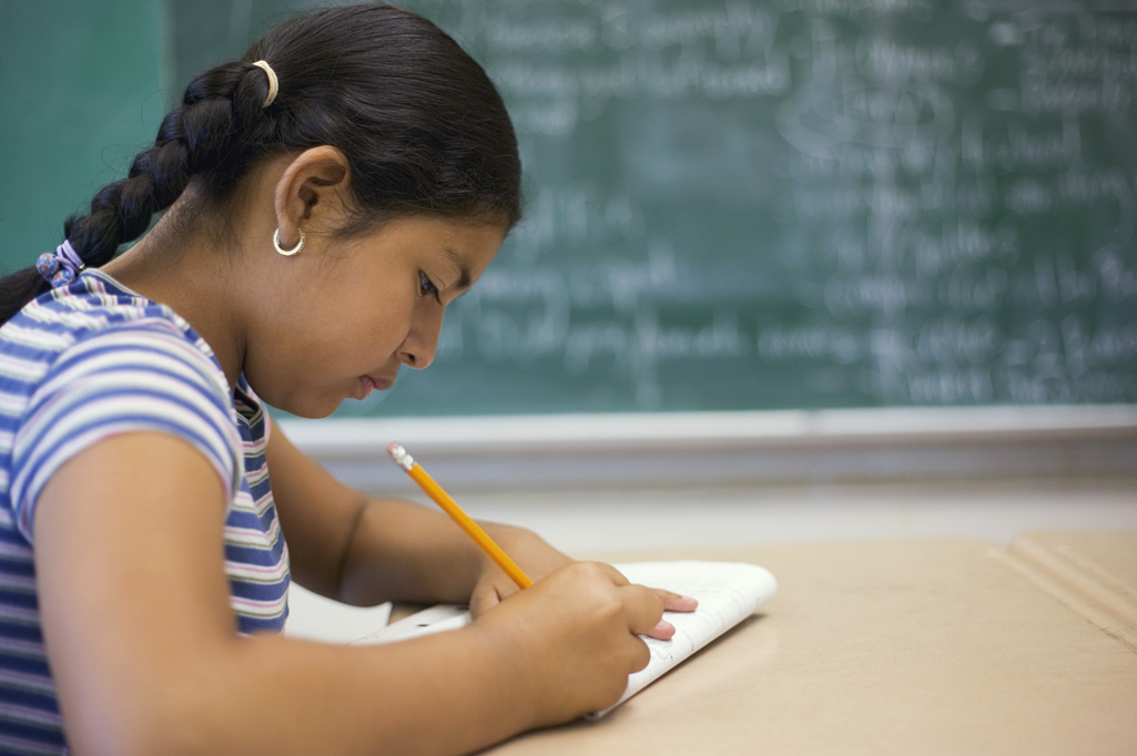 hispanic girl writing3