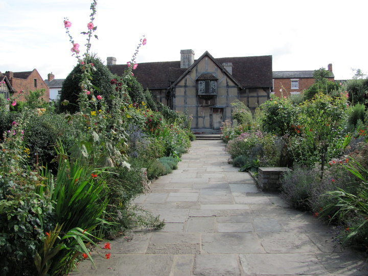 This is the home where Shakespeare grew up in Stratford Upon Avon. (summer 2010)