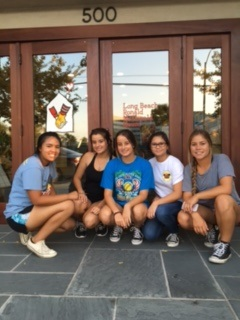 Wilson Softball - Volunteers at Ronald McDonald House in LB