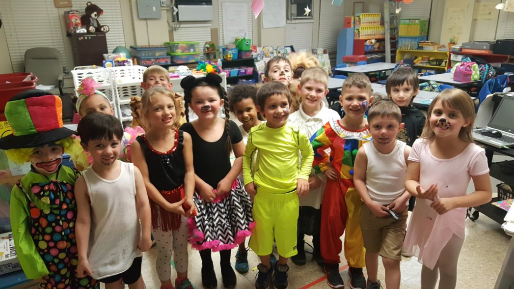 Our K classes had lots of fun and raised money for their zoo field trip by  planning and performing in their very own circus!