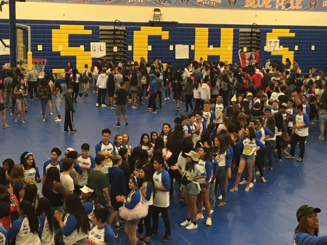 Link Crew Activity in the Big Gym