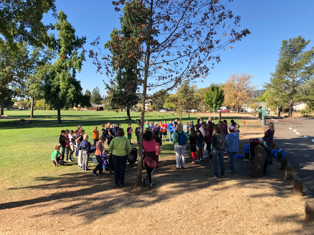 5th Grade Park Clean-Up Day!